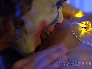 Massage Rooms Joker fucks wonder woman with big natural tits