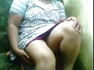 Upskirt Indian mature.