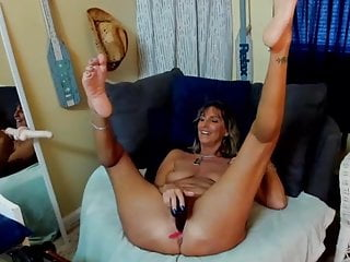 Mature MILF is still horny and spreads legs showing soles