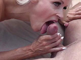blonde notgeile milf am pool aufgerissen