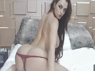 Lovely Cam Babe Loves Show Off on Cam
