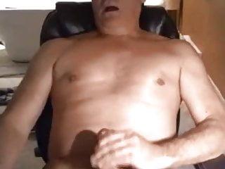 Cumming fast...