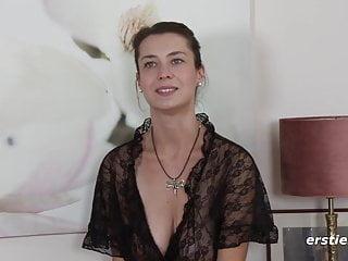 Nackt oder in schwarzer Spitz Freya ist einfach um