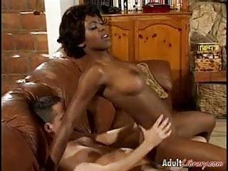 Pornstar Kiwi Sweet