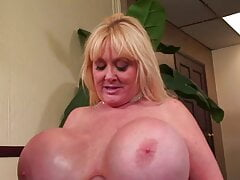 MATURE MILF with mega tits - huge boobs - horny cougar