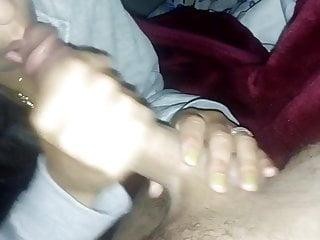 Fille Desi suce une bite en POV