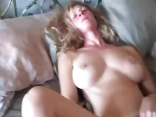 Amateur Milf Loud Orgasmus Ride