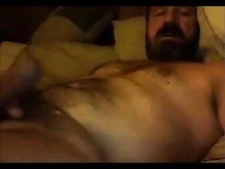 Hairy bear jo on webcam...