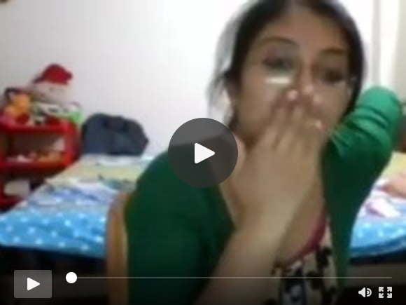 भव्य भारतीय कॉलेज लड़की