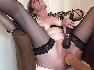 Pierced mature getting vaginal fisting 2