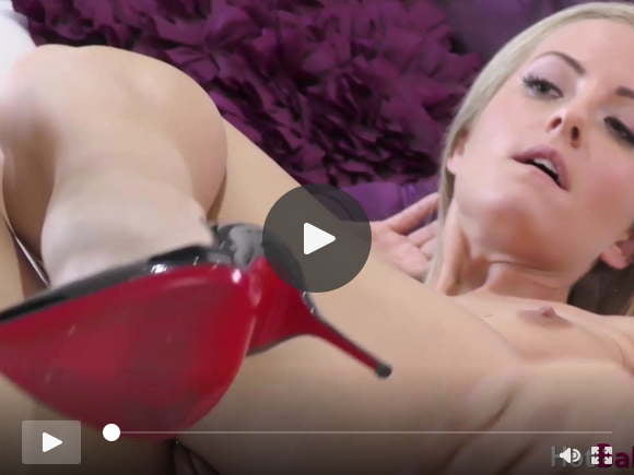 amazing blonde sicilia toys pussy in high heels solosexfilms of videos