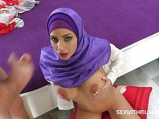 Girl muslim 2020...