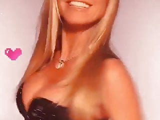 heidi klum close-up on her big cleavage in black outfitPorn Videos