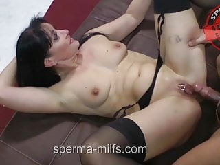 Insatiable man feasting Sperma-Milf Angie