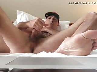 Damn! This hot wanker are so horny