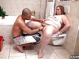 Fucking fat girlfriend in the bathroom