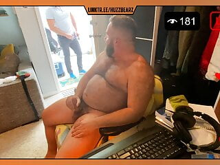 Delivery guy walks in the middle of live cam show
