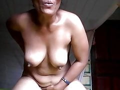 My Thai girlfriend dirty masturbating