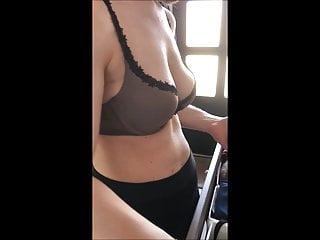 spyshot hidden cam my wife in bra Ehefrau Titten im BH