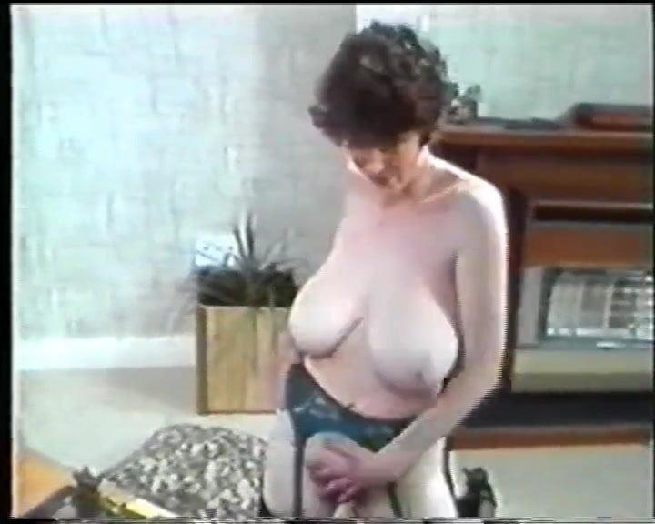 Karen Wing 2 Strips Brunette Tits Strips Xhub