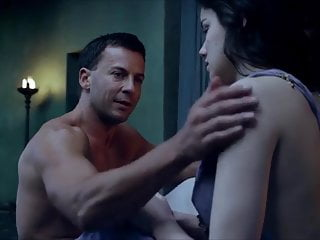 Hanna Mangan Lawrence Spartacus: Vengeance Sex Scenes