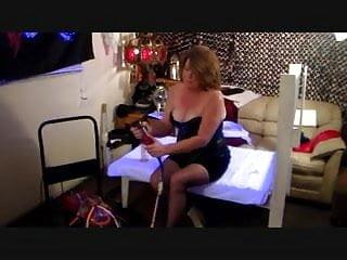 MASTURBATING MILKING MACHINE Blo-n go! Mistress Lora