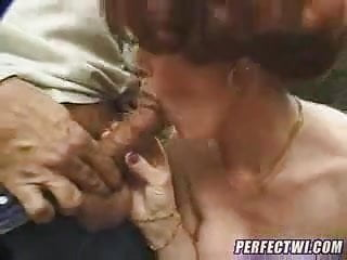 Mature Woman receives a great anal fuck...