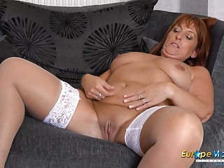 EuropeMaturE in  Nylons Watching Solo Lady Sexy