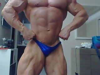 Str8 bodybuilder daddy flexing...