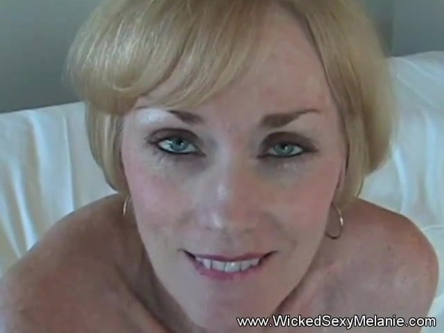 Amateur Cougar Hairy Pussy