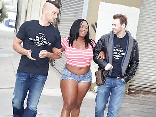 Ebony Jayden Starr prova la doppia penetrazione