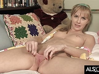 Skinny Teen Stretches Her Long Pussy Lips and Masturbates