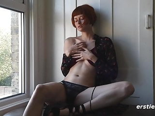 exotic enne getting off in front of her window Porn Videos