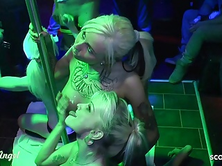 mia bitch and anni angel get bukkake by stranger at partyPorn Videos