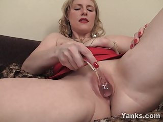 Yanks Hot girl Josie Finds Her G-Spot