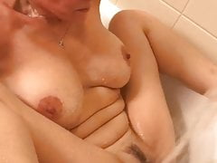 Intense orgasm from bathtub faucet