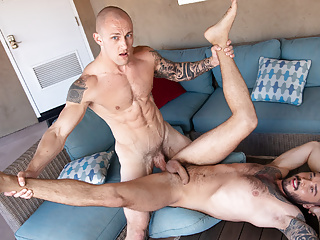 Gay Men Find A Silent Place For Fuck