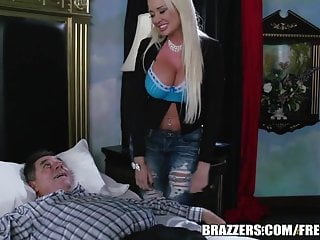 Brazzers Summer Brielle The Trophy Wife