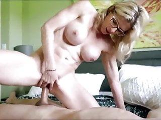 Cute MILF Has Hardcore Sex