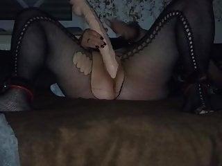 slave fickt ihre pussy mit monster dildoPorn Videos