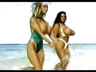 Retro babes twerk beach...