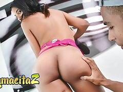 CARNE DEL MERCADO - Latina Waitress Dayana Cruz Fucks Client