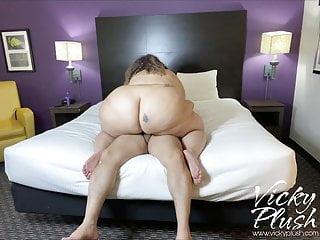 Vicky riding hotel...