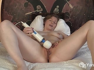 Yanks Hottie Lili Sparks Fucks Her Hitachi