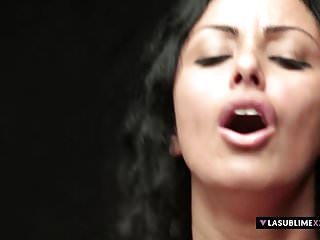 LaSublimeXXX Tettona MILF italiana Asia Morante ama il sesso anale