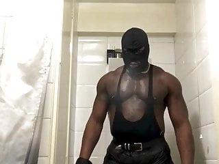 Muscled kinky fucka...
