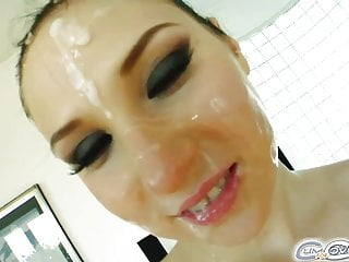 Nicole sucks off 4 cocks for and cumshots...