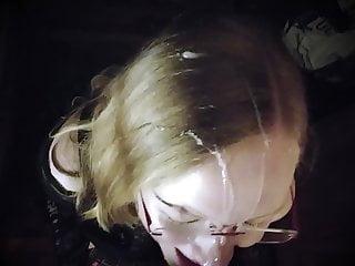 Ihr erster Facial! Deutsche Blondine bettelt um Sperma in ih