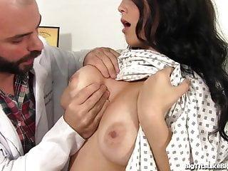 Esame del seno diventa hardcore