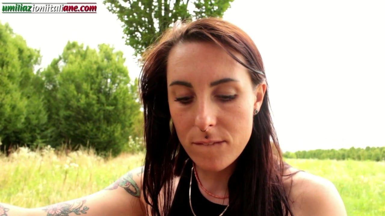 Educating Aline – Outdoor Barefoot Domination